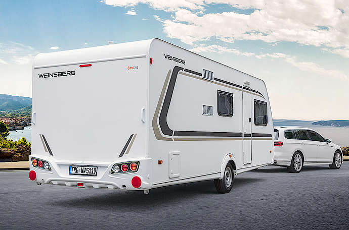 Wohnwagen Mit Etagenbett Und Festbett : Der neue wohnwagen caraone kompakt flexibel sicher