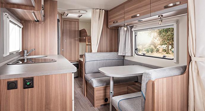 Wohnwagen Etagenbett Einbauen : Der neue wohnwagen caraone kompakt flexibel sicher